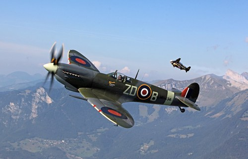 Yves Rossy (Jetman) flying alongside a Spitfire